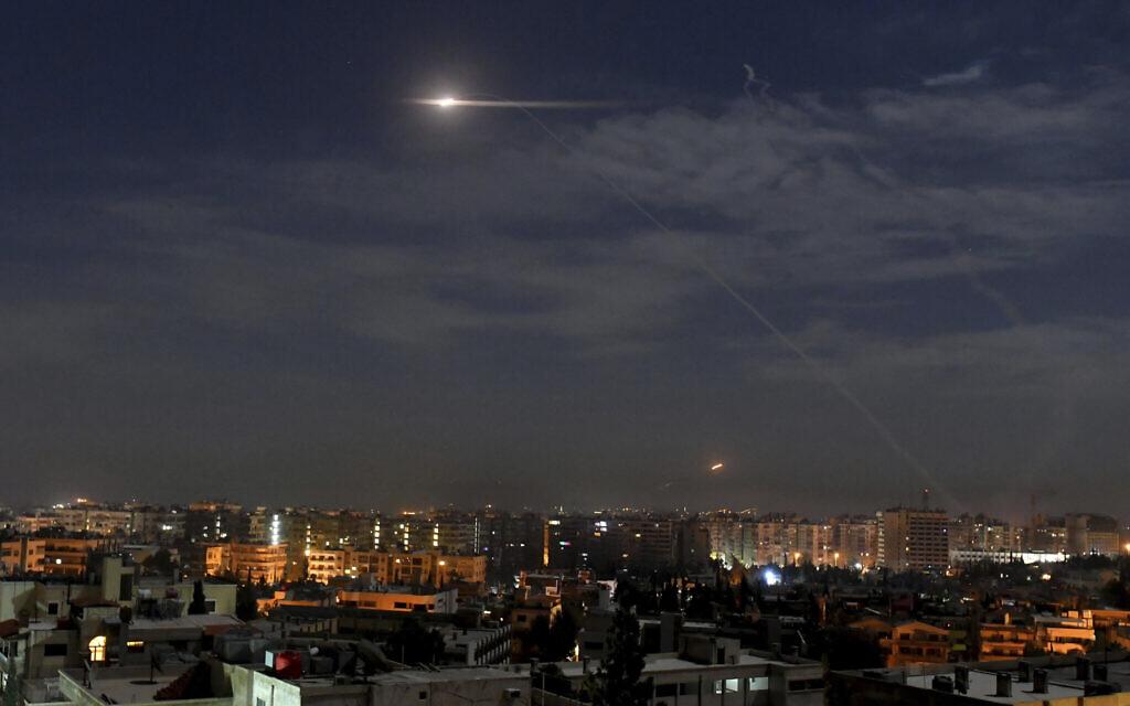 Říkalo se, že izraelská letadla bombardovala uvnitř Sýrie podruhé během několika dní