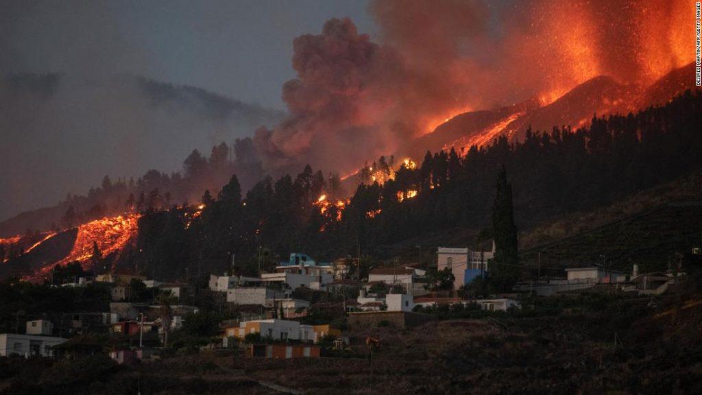 Sopka La Palma: Po výbuchu sopky byly evakuovány tisíce lidí