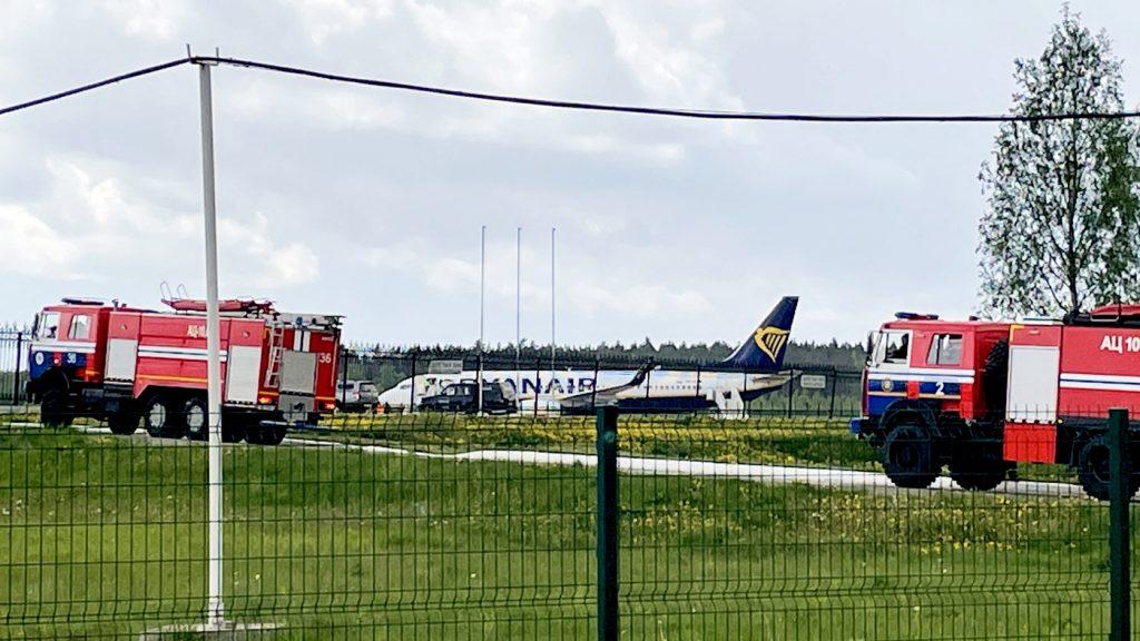 Letadlo společnosti Ryanair přepravující opozičního novináře nuceného přistát v Bělorusku: NPR