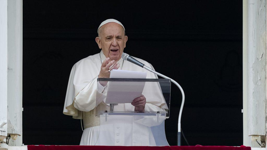 Papež František vyjadřuje zármutek, ale neomlouvá se za domorodé školní úmrtí v Kanadě: NPR
