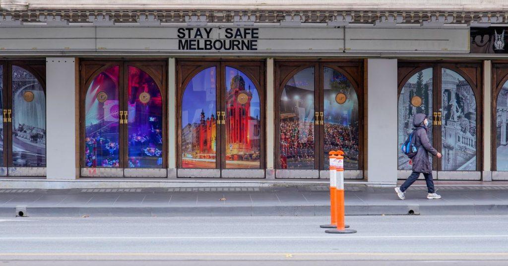 Australské Melbourne se vynořilo z uzamčení COVID-19, ale některá omezení zůstávají