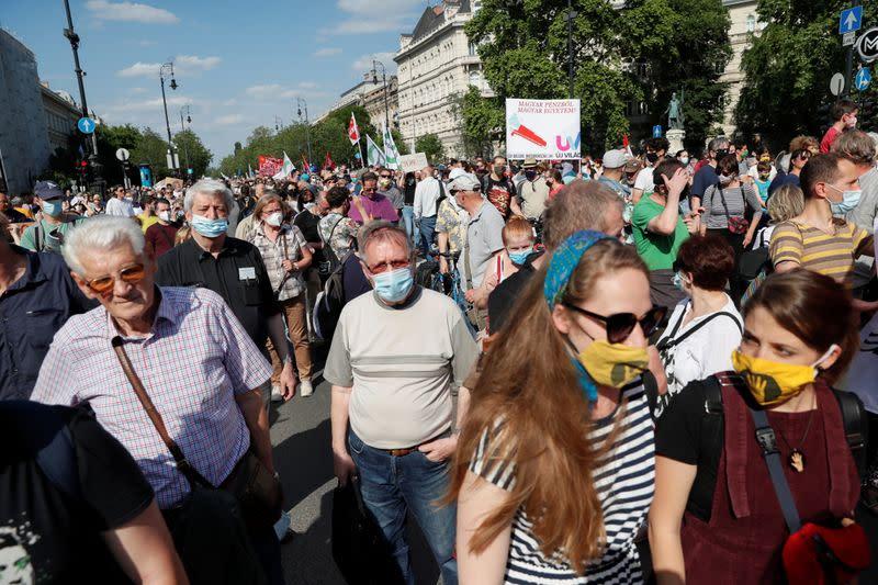 Maďaři protestují proti plánovanému čínskému kampusu