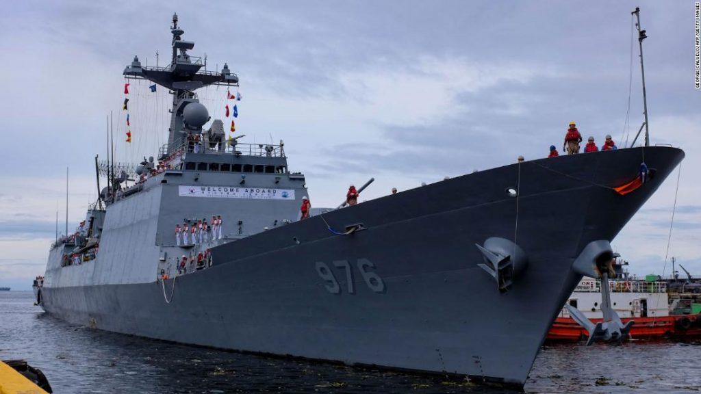 Jihokorejský torpédoborec: Více než 80% posádky na palubě Great Munmu mělo pozitivní test na COVID-19