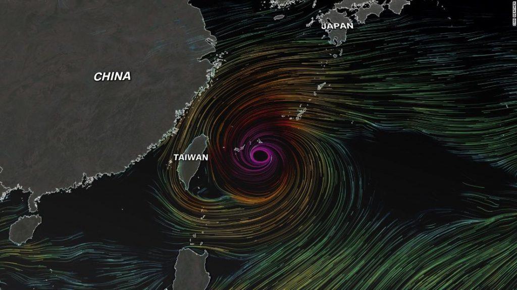 Typhoon In Fa ohrožuje Japonsko a východní Asii záplavami a silným větrem