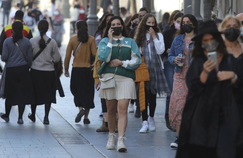 Covid: Plán cestovního ruchu a zkrácení izolace bude projednán v Radě ministrů