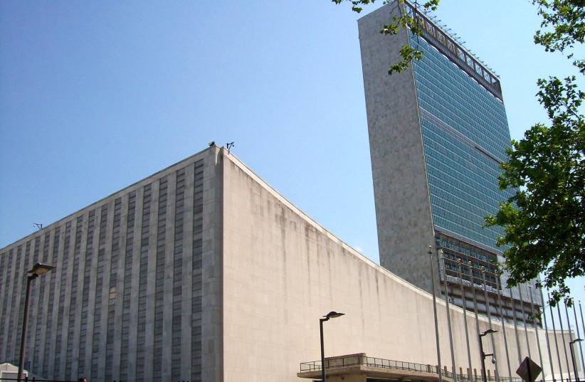 Mír a klid mimo OSN během kontroverzní konference v Durbanu