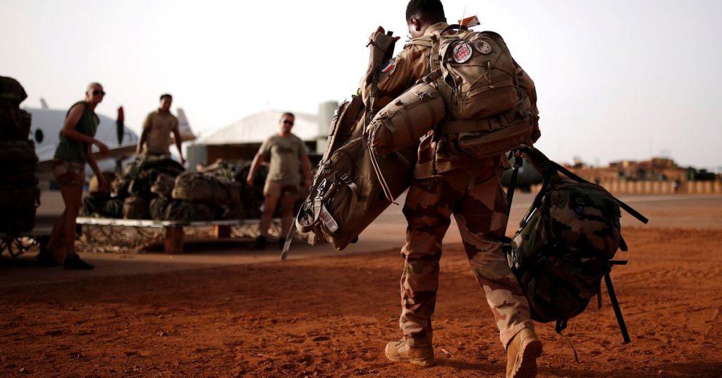 Francouzský ministr v Mali vyvinout tlak na vojenskou radu nad ruskými žoldáky